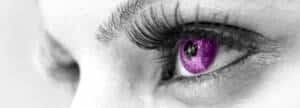 farbige-kontaktlinsen-lila