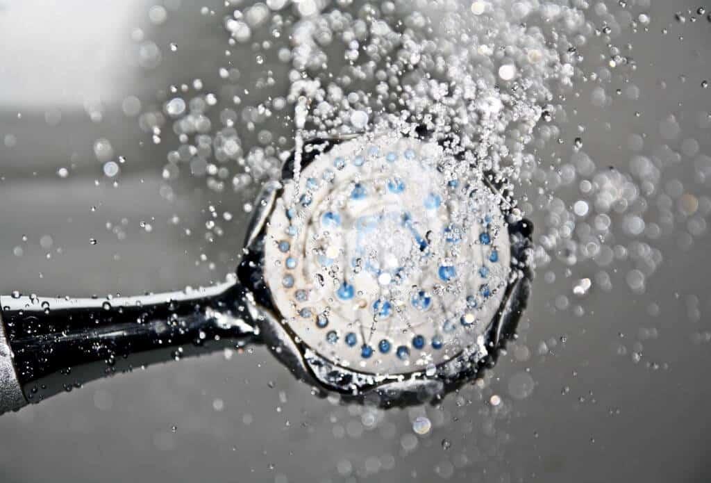Duschen mit Kontaktlinsen